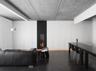 Uiterst uniek appartement volledig ontworpen en ingericht in loftstijl door architect Massimo Pignanelli. <br /> Dit hypermodern twee slaapkamer appar