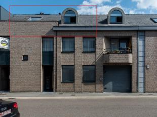 Cosy appartement van 110m2 gelegen op het tweede verdiep met 2 slaapkamers en een zeer ruime leefruimte. <br /> <br /> Dit appartement is schitterend