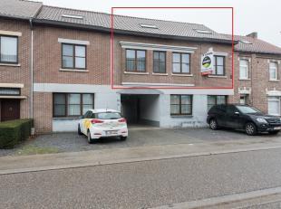 Instapklaar duplexappartement gelegen in het centrum van Munsterbilzen, Waterstraat 75.<br /> <br /> Alle praktische voorzieningen zijn gelegen op wan