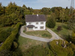 Residentieel gelegen ruime woning te Genk, Aspergerijstraat 16.<br /> <br /> Rustige ligging in bosrijke omgeving vlakbij verbindingsweg N75 Hasselt-G