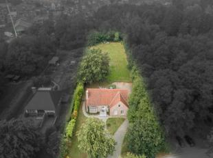 PRACHTIG GELEGEN VILLA MET 6 SLAAPKAMERS IN DOODLOPENDE STRAAT<br /> <br /> Deze ruime, gerenoveerde villa treffen we aan langs de doodlopende Elsenho