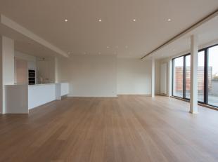 LUXE APPARTEMENT VAN 200 M³ EN 3 SLP. IN CENTRUM HASSELT.<br /> <br /> Dit klassevol appartement met een bewoonbare oppervlakte van 200 m² e