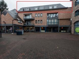 Aangeboden wordt dit uiterst luxueuze penthouse in het centrum van Hasselt gelegen Molenpoort 10.<br /> <br /> Het penthouse bevindt zich op de derde
