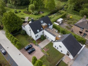 Villa met kantoorruimte en aanpalend eiland op 43a 69ca.<br /> <br /> Op de Sint-Truidersteenweg ter hoogte van nummer 576, vindt u deze zeer ruime vi