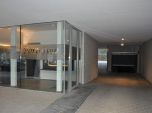 GARAGEBOX IN CENTRUM AAN KLEINE RING!<br /> <br /> In het centrum van Hasselt, op de Thonissenlaan ter hoogte van nummer 5,  vindt u deze zeer goed ge