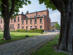 Uitzonderlijk pand gelegen te midden van de historische omgeving van Oud-Rekem. Deze voormalige cellenblok is gelegen in Oud-Rekem, verkozen tot het m