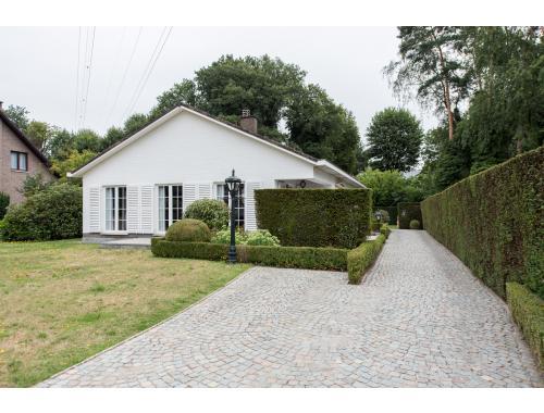 Villa-landhuis te koop in Genk, € 340.000