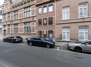 Nieuwe kantoorruimte gelegen naast het Gerechtsgebouw te Tongeren, Predikherenstraat 10.<br /> <br /> Gunstige ligging in het centrum van Tongeren met