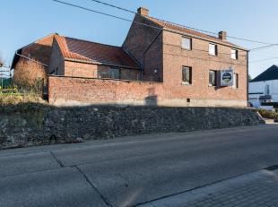 Rustig gelegen woning te Rijkhoven, Cuvelierstraat 4.<br /> <br /> Landelijke ligging op 5 km van Bilzen en Tongeren. Alle nuttige faciliteiten zijn v