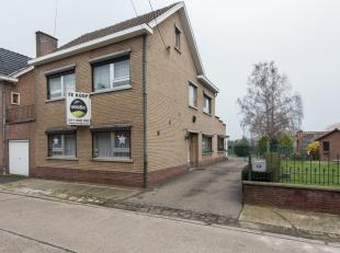 Half vrijstaande woning gelegen te Rijkhoven, Cuvelierstraat 35.<br /> <br /> Rustige ligging op 5 km van Bilzen en Tongeren. <br /> <br /> Deze ruime