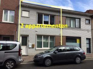 2 instapklare vernieuwde appartementen met 1 slaapkamer. Servitude aan de achterzijde,  2 tuinbergingen voor fietsen.  Renovatie in 2014-2015. Op wand