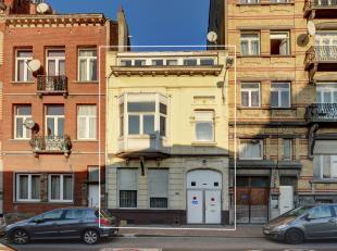 Deze ruime woning met uiterst veel potentieel is gelegen te Brussel en beschikt over vier verdiepingen en een kelder. <br /> <br /> De woning is momen