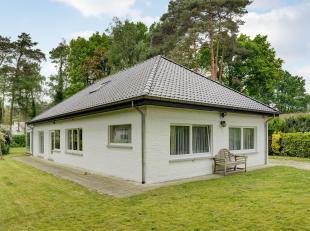 Deze charmante woning is gelegen in een groene en residentiële wijk vlakbij het golf & meer domein van Keerbergen.<br /> Bij het betreden van