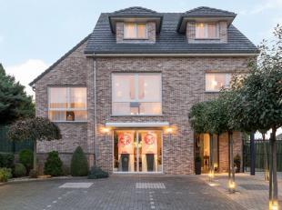 Vrijwel aan het centrum van Maastricht grenst de Belgische deelgemeente Vroenhoven. Met een zeer rijke en diverse historie van het Graafschap van de V