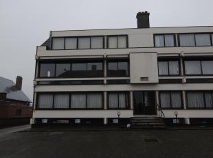 Dit twee slaapkamer appartement vinden we terug op de Scapulierstraat nummer 7 bus 3 in Munsterbilzen.<br /> <br /> Doorheen de jaren zijn verschillen