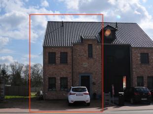 Deze pastorijwoning is gelegen op de Kanaalweg te Heusden-Zolder. Het perceel heeft een totale oppervlakte van 3a 23ca. <br /> <br /> Bij het betreden