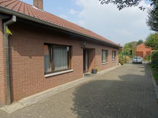 Woning met 3 slaapkamers te huur!<br /> <br /> Deze woning is gelegen in een rustige en doodlopende straat te Diepenbeek.<br /> <br /> Bij het betrede