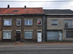 Deze woning bevindt zich op de Weg naar as 348 te Genk, op een boogscheut van de Stalenstraat met talrijke winkels en eetgelegenheden. <br /> Alsook h