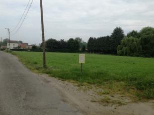 """Aan de rand van het centrum van Diepenbeek vinden we deze projectgrond terug.<br /> Verkaveling """"Binnenveld"""" bevat vier entiteiten.<br /> <br /> Verka"""