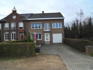 Welkom op de Heihoevestraat 36 in Maasmechelen!<br /> Deze bijzondere woning moet gezien worden.<br /> De gunstige ligging maakt het voor jong en oud