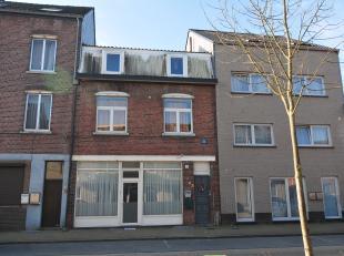 Welkom in de Koning Boudewijnlaan 31 in Genk. Dit appartementsgebouw is gelegen in een rustige, maar gezellige buurt. <br /> <br /> Het gebouw bestaat
