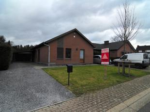 Deze instapklare en gerenoveerde bungalow vinden we terug op de Westerwennel nummer 4 in Genk.<br /> <br /> De uiterst rustige omgeving maakt het voor