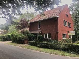 Welkom bij deze prachtige woning te Maastrichterweg 2 in Genk.<br /> <br /> De woning is gelegen in een mooie residentiële buurt en een prachtige