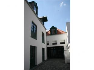 """De loft maakt deel uit van het project """"Oude Markt Voerlieden Natie"""", gelegen op de wandelroute tussen Grote Markt en het """"eilandje/MAS"""", namelijk in"""