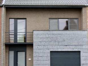 Een droom voor de design-liefhebberUitzonderlijk gedetailleerde en afgewerkte woning met hypermoderne keuken, licht overgoten open leefruimte,moderne