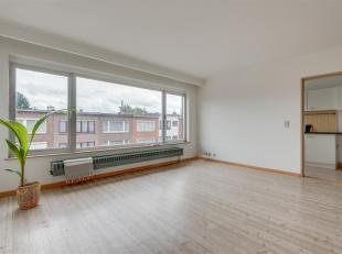 Bij dit appartement vindt je de perfecte balans tussen rust en dynamiek. Dit lichte appartement bevindt zich in een rustige straat (zone 30) waar iede