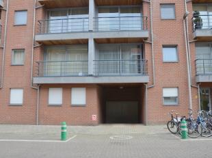 Ondergrondse autostandplaats gelegen in de kelder van Residentie Christine. <br /> <br /> Centrale ligging in de Lazarijstraat binnen de Grote Ring va