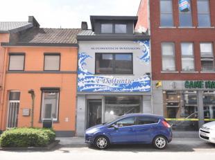 Goed gelegen wassalon aan de Luikersteenweg vlakbij supermarkt Delhaize.<br /> Met bovenliggend appartement.<br /> Dit dient verder afgewerkt te worde