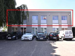 Goed gelegen, instapklare kantoorruimte van 250m2, gelegen op de 1e verdieping.<br /> Zeer centrale ligging waardoor vlotte bereikbaarheid en vlakbij