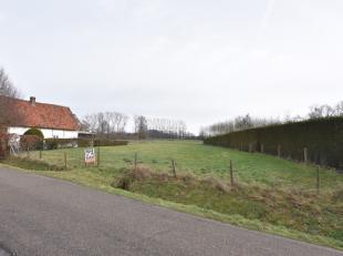 Zeer mooi landelijk en rustig gelegen perceel bouwgrond van 17a44 voor het bouwen van een vrijstaande woning.<br /> Perceelbreedte vooraan is +/- 27 m
