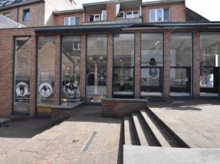 Goed gelegen handels-/kantoorruimte van 100 m2 aan het Molenpoortplein in Hasselt centrum. <br /> Centraal gelegen tussen Primark en Brasserie Het Mag