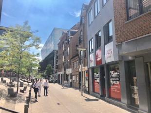 Huur voor 01/01/2020 en betaal pas vanaf 01/04/2020!<br /> <br /> Modern handelspand in het centrum van Hasselt aan de TT-wijk. Goede zichtlocatie met