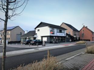 De woning ligt in het centrum van het pas heraangelegde en gezellige Linde. De woning is een gedeelte van een gebouw waar ook nog een commerciële