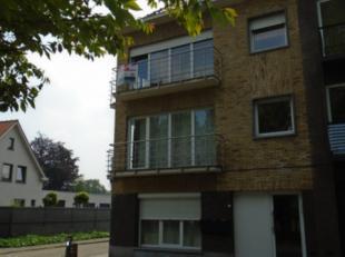 Volledig gerenoveerd appartement gelegen op de eerste verdieping met 1 slaapkamer, leefruimte met open ingerichte keuken, terras badkamer met douche,