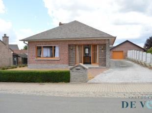 Deze solide, goed onderhouden woning met 3 ruime slaapkamers (mogelijks 4) en aangename tuin is gelegen in een rustige straat in het landelijke Gooik.