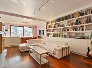 Dit ruim appartement is gelegen in het centrum van de stad Genk, met de voornaamste winkels, pleinen, diensten op loopafstand. U bent in geen tijd bij