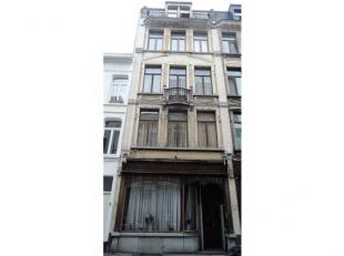 Gelegen omgeving Centraal Station Antwerpen - Koningin Astridplein - Radisson Blu Astrid Hotel. Dit gebouw is gebouwd in art-noveau-getinte stijl van