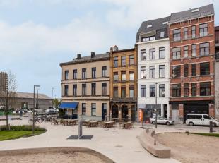 Dit volledig vrij in te richten handelsgelijkvloers is gelegen aan het hippe en onlangs volledig vernieuwde Cadixplein te Antwerpen.<br /> De commerci