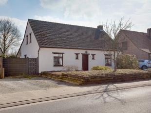 Deze vrijstaande, landelijke woning is erg energiezuinig en werd door de eigenaars met bijzonder veel precisie onderhouden. Ze is erg landelijk en rus