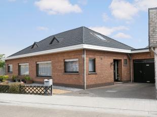 Deze instapklare, halfopen bebouwing werd bijzonder netjes en met veel zorg onderhouden. Ze is rustig gelegen in de Kalmthoutsebaan in Zandvliet. Open