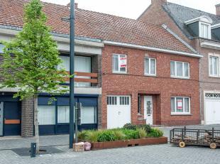In Alken centrum aan het Laagdorp 21 staat deze woning uit 1958 op een grondperceel van 8a59.<br /> <br /> De ligging op het Laagdorp is ideaal als wo