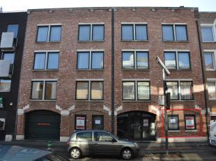 *** VERHUURD ***Het pand betreft een kantoorruimte van 35m2 op het gelijkvloers van een gebouw gelegen aan de Maastrichtersteenweg 11 in Hasselt  (zon