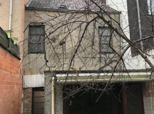 Te renoveren huis/woning - ook mogelijkheid tot bouwen van 3 appartementen - Tot. pop. 135 m2<br /> In Sint-Niklaas kan je bij afbraak en herbouw geni