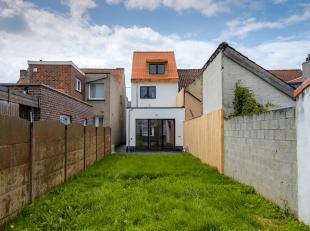 Deze recent gerenoveerde, energiezuinige woning is gelegen in een rustige, residentiële wijk te Evergem op wandelafstand van diverse handelszaken