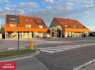 H.V.S. Ruitershop en de Was-automaat blijven geopend!<br /> Meer informatie op www.steevast.be<br /> .<br /> Vlakbij het centrum van Peer, aan de Roto