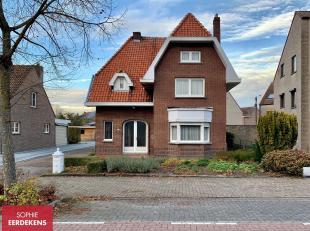 Meer informatie op www.steevast.be.<br /> Deze woning ligt aan de Steenweg Wijchmaal 20 in Peer.<br /> Het huis dateert origineel van 1952. Het heeft